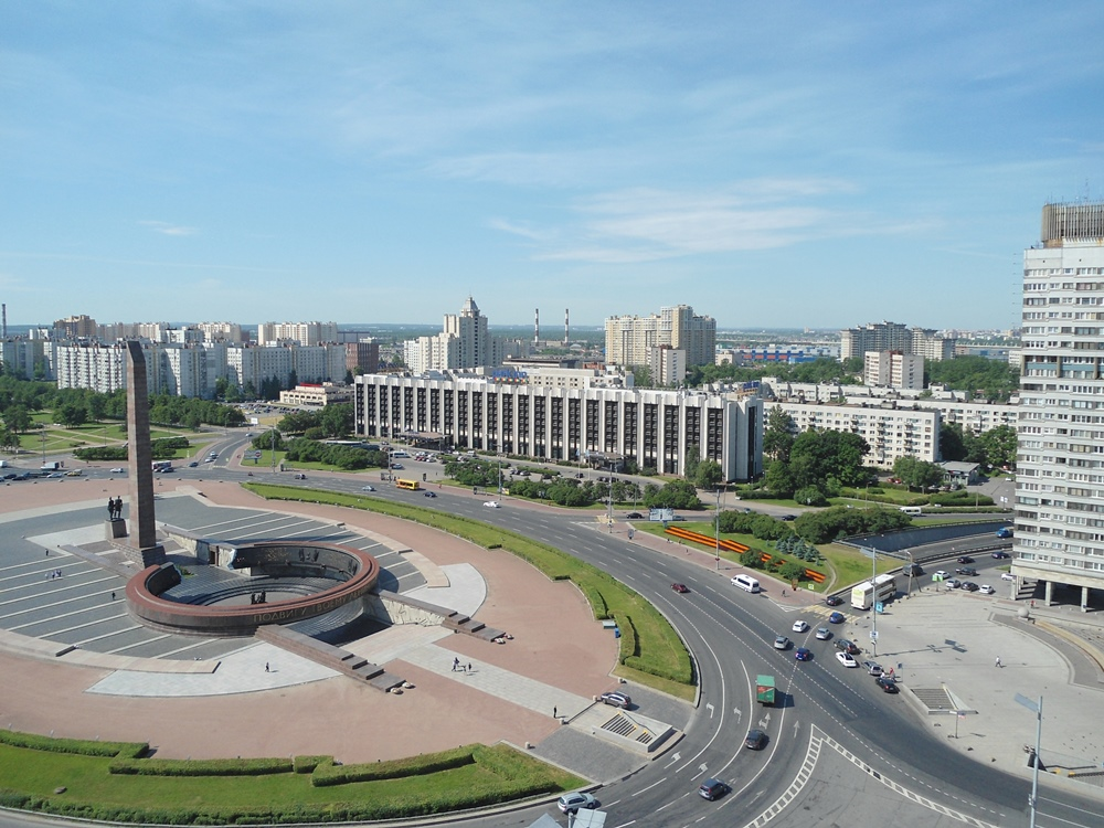 Вид из окна на Московский  проспект